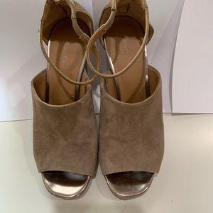 Calvin Klein Sandals Tan Color sz 7.5